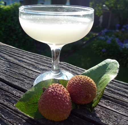 Lychee gimlet drink of the week for Cocktail litchi