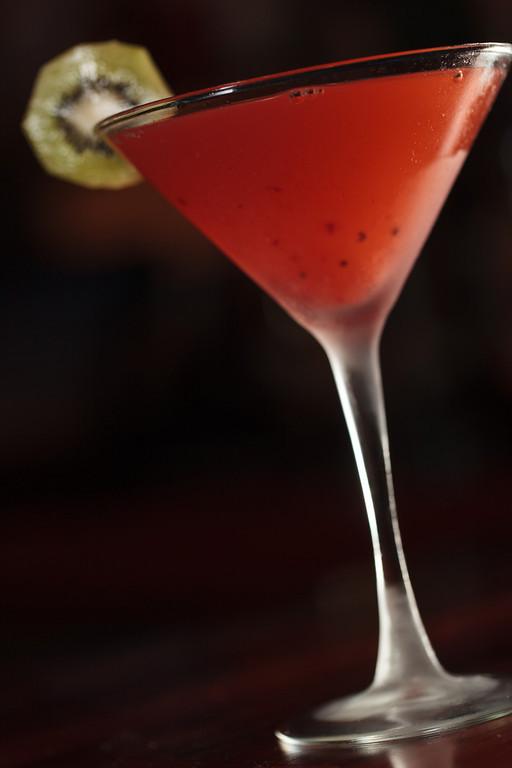 Kiwi strawberry martini drink of the week for Cocktail kiwi vodka